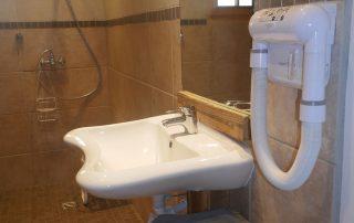 chalet-la-toussuire-le-lenanska-salle-de-bain-1